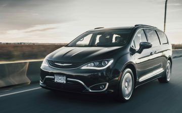 Rent Chrysler Pacifica - black (PHEV)