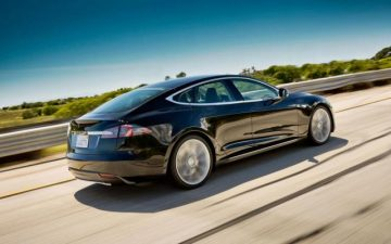 Rent Tesla Model S 100D - black (BEV)