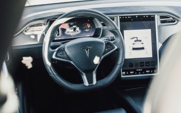 Rent Tesla Model X 90D